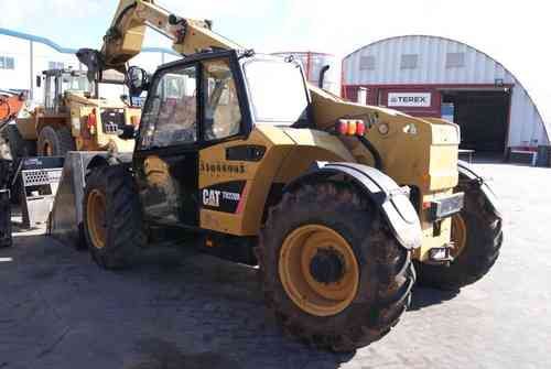 CATERPILLAR TH220B MANIPULADOR TELESCOPICO