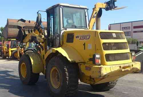 NEW HOLLAND W 130 PALA CARGADORA