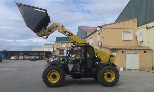 CATERPILLAR TH337 MANIPULADOR TELESCOPICO