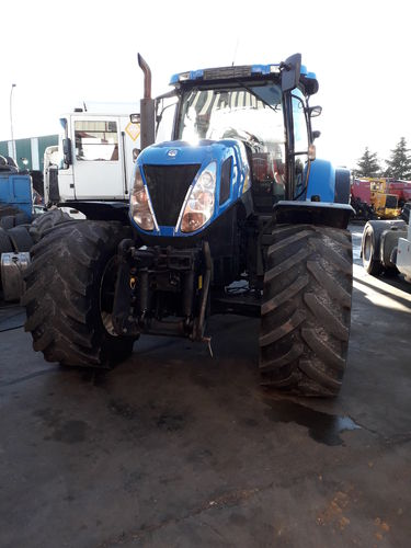 NEW HOLLAND T7030 TRACTOR AGRICOLA