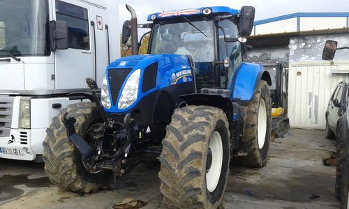 NEW HOLLAND T7200 TRACTOR AGRICOLA